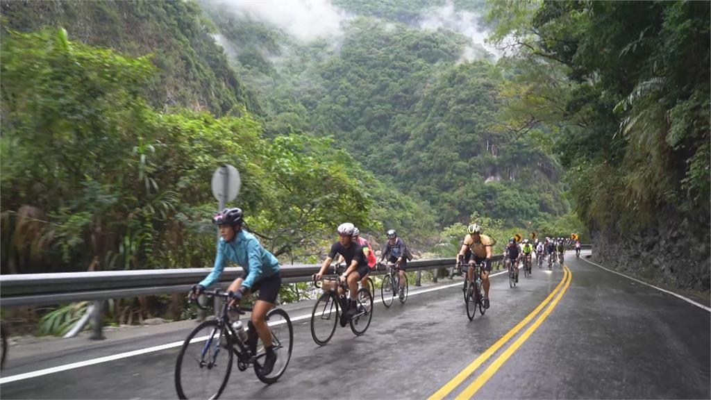 台灣自行車登山王登場 低溫.雨勢選手大挑戰