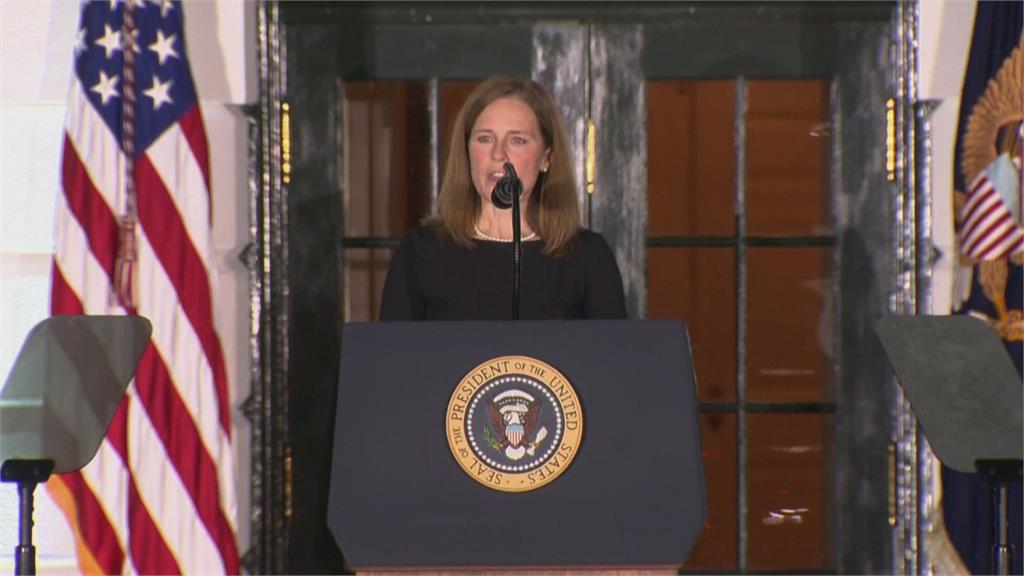 她48歲擁7名子女 川普見證巴雷特成美國第9位大法官