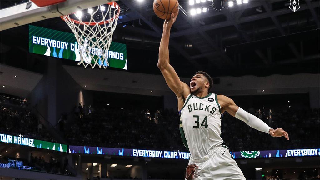 NBA/籃網厄文腳傷提前退場 字母哥狂飆34分助公鹿扳平戰局