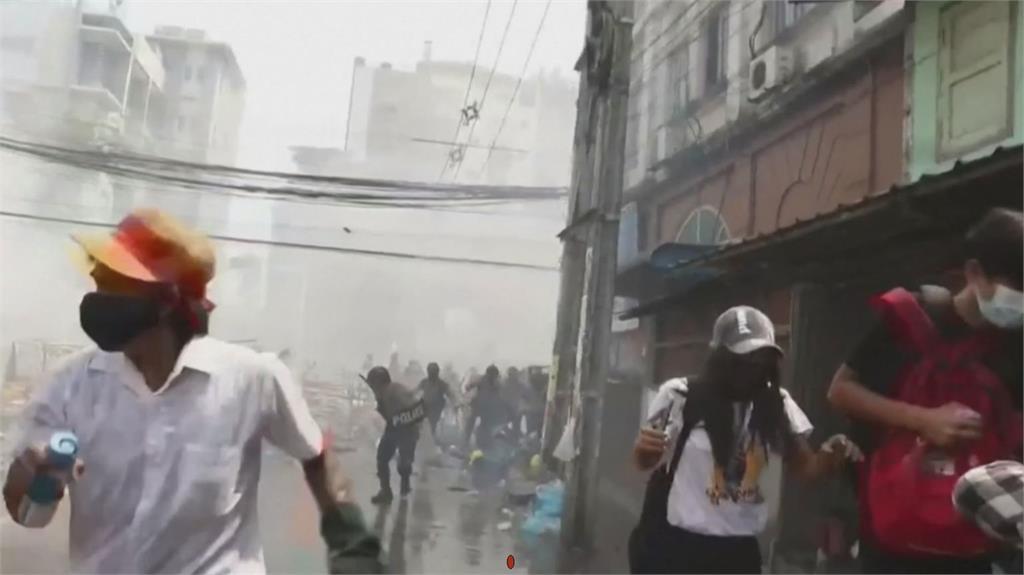 緬甸軍警再次開槍 李顯龍:國際制裁無用