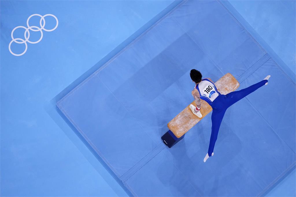 東奧/「鞍馬王子」李智凱完美落地!摘下我國奧運體操史首面銀牌