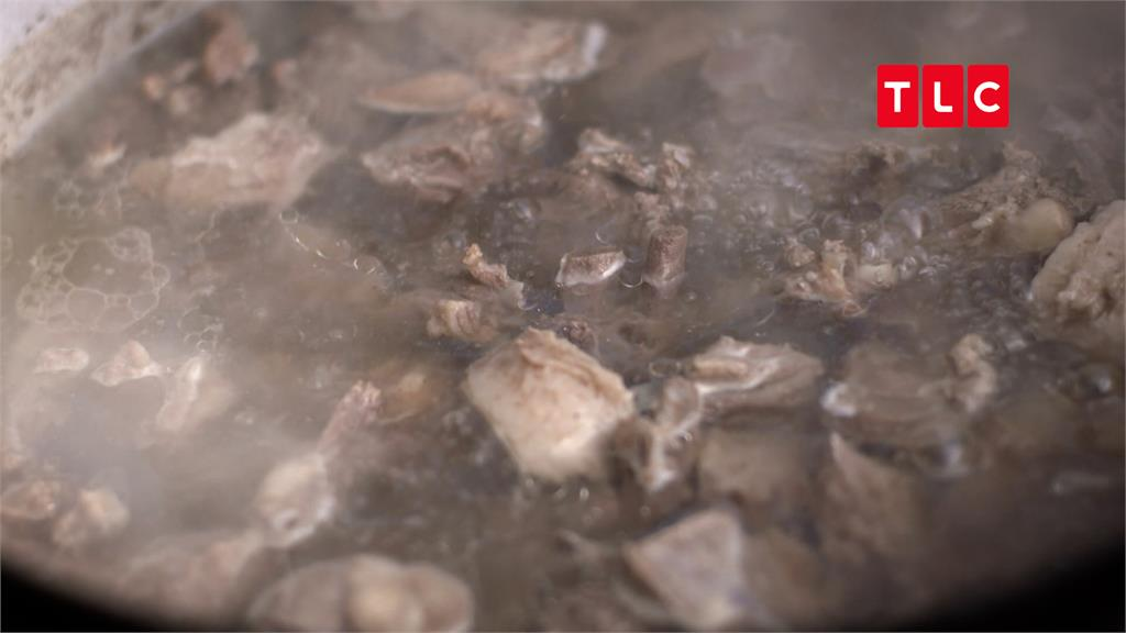 名廚江振誠極點嚐凍魚!口感就像「冰凍棒棒糖」 大讚:鮮美無腥味