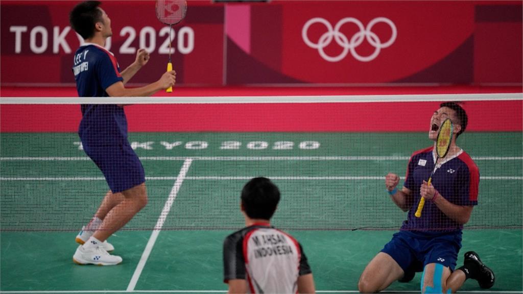 東奧/「新國旗」開賣啦!台灣羽球聖筊組合東奧金牌決勝點 商品實體化成真