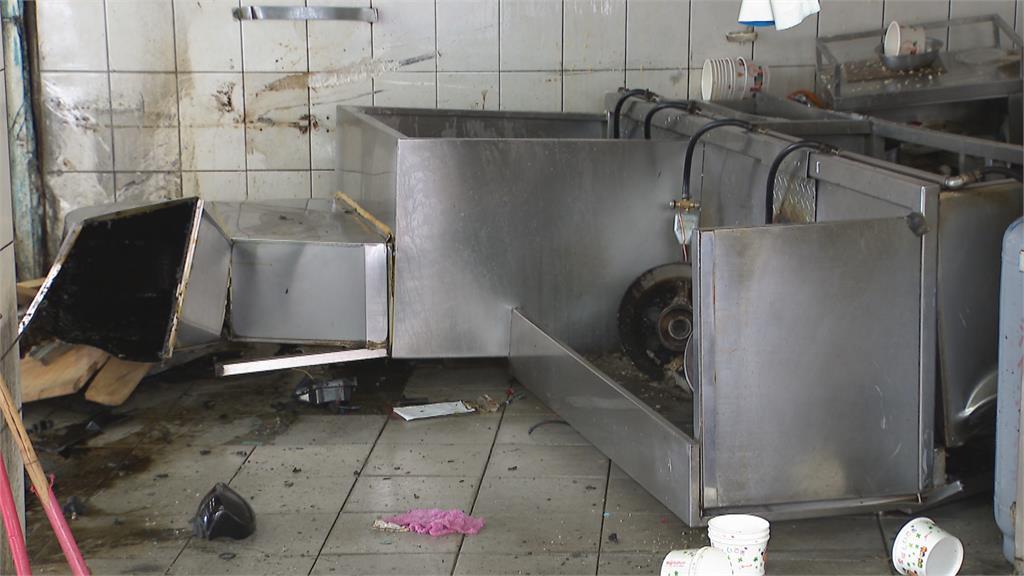 天外飛來一輛車! 便當店熱湯噴濺 燙傷三名員工