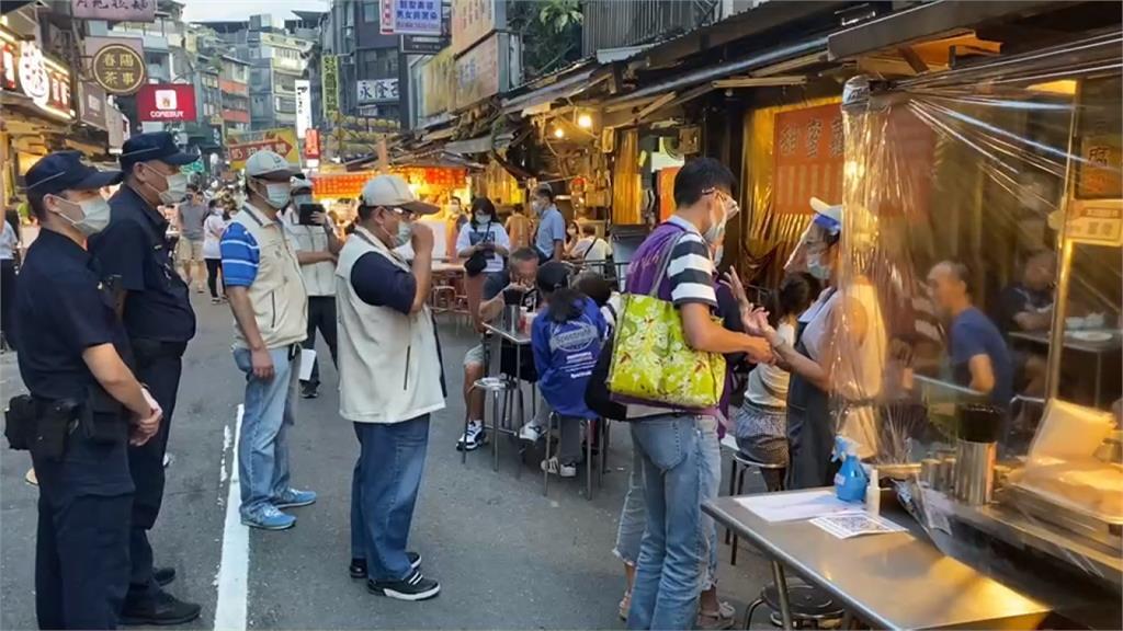 新竹城隍夜市慶重啟 基隆廟口嚴控人流