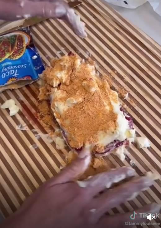 她揭餐廳超嫩牛排「恐怖煎法」 網見奶油用量嚇壞:動脈要阻塞了