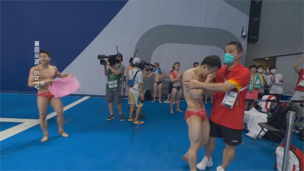 跳水決賽中國內戰 中國謝思埸奪金痛哭