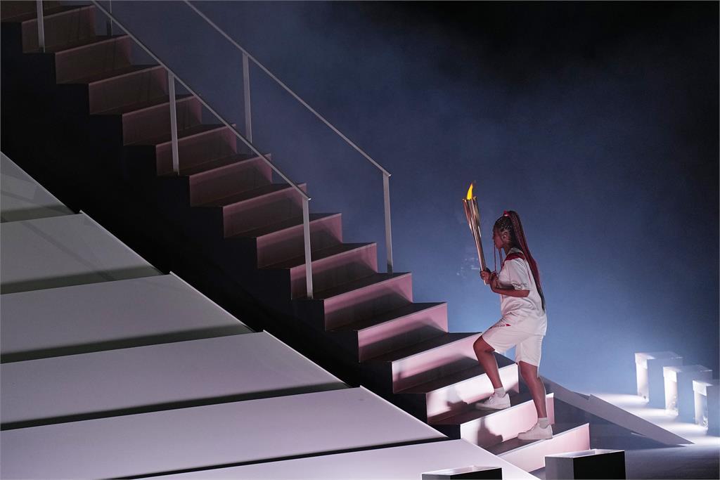 東奧/大坂直美擔任最後1棒火炬手!眾人見證下點燃「富士山」聖火