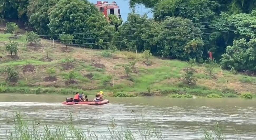 快新聞/台南康復巴士受困積水險滅頂 車內3人順利獲救