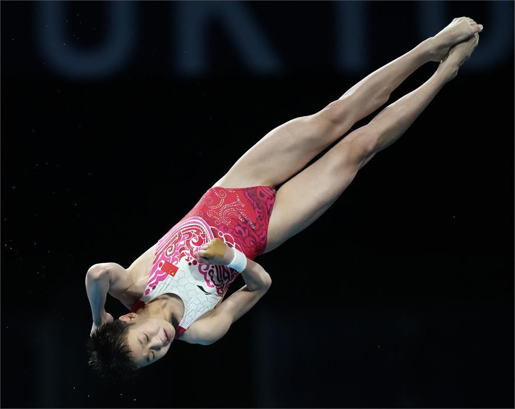 東奧/中國14歲跳水天才直攻金牌 3跳全滿分神級表現破世界紀錄