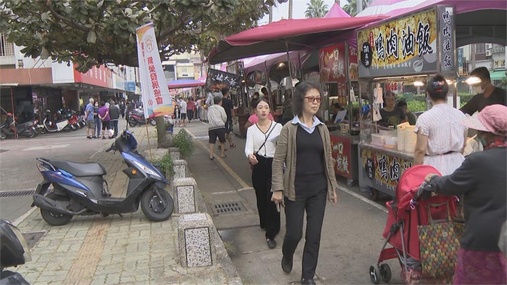 黃偉哲賣力推銷美食觀光 整合商圈搶五倍券商機