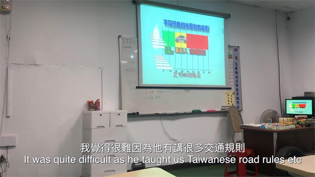 台英考照大不同!30小時課程僅5小時開上路 英網紅:台灣是教怎麼考試