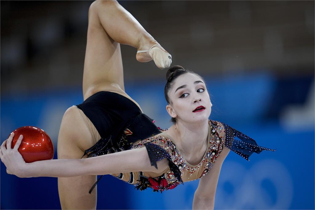 東奧/東奧「最驚悚」照片!體操女神一動作瞬間...頭消失了網嚇傻