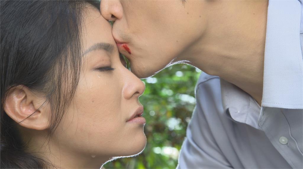 Gino《黃金歲月》英雄就美 額頭親吻葉家妤高達20多次