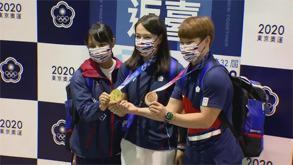 東奧/榮耀返國! 舉重好手陳玟卉特別感謝「它」: 帶著銅牌往2024繼續努力