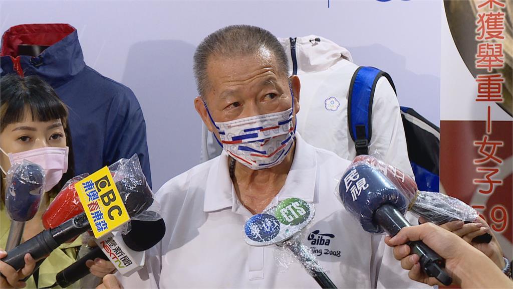 父曾三度入獄 黃筱雯練拳擊鼓舞父親!外媒好奇左手刺青 黃筱雯:這是我的國家台灣