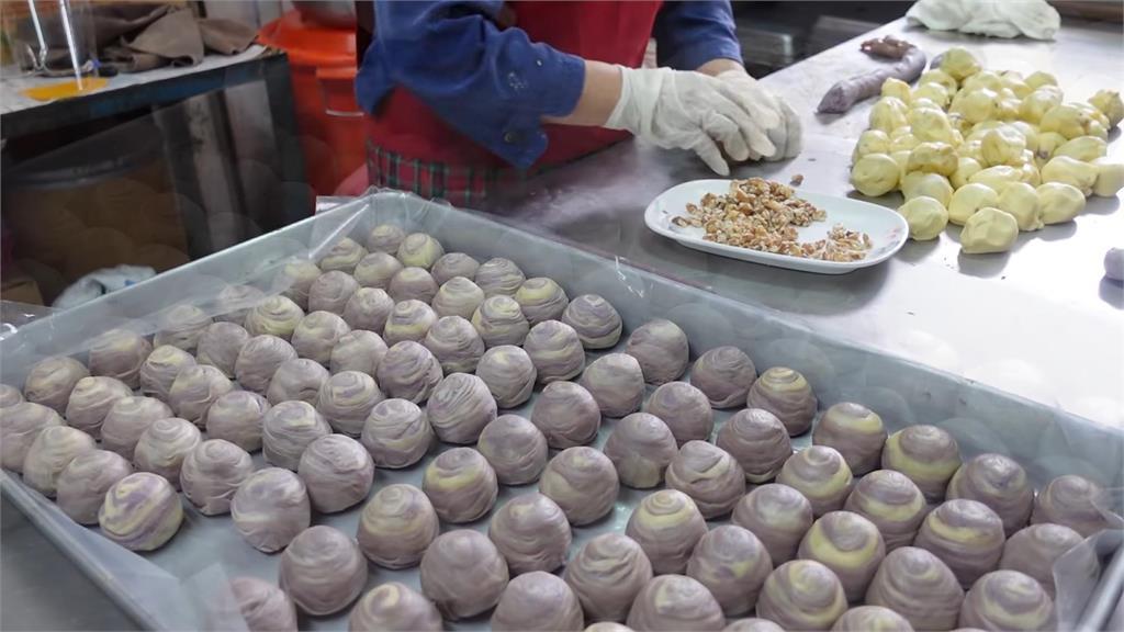 台式古早味芋頭酥飄香60年 手作療癒過程狂吸133萬次觀看