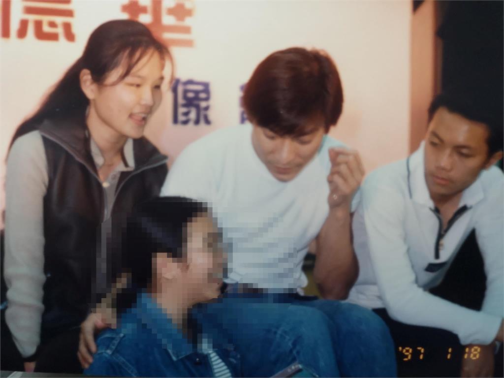 揹身障女見劉德華喜獲合照機會 她「善良1決定」卻遺憾終生!