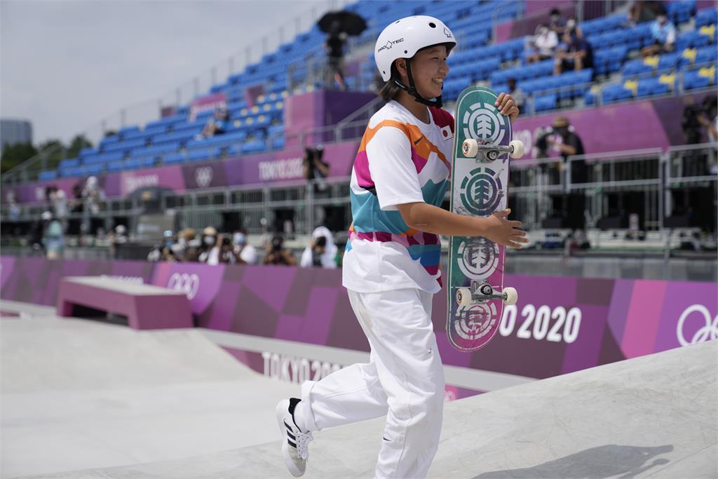 東奧/年僅13歲奪金!她技壓巴西選手成日本「最幼齒奧運金牌」