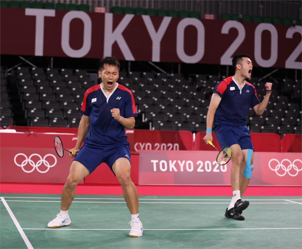 東奧/「羽球男雙」李洋、王齊麟搶下1勝!「直落2」擊敗英格蘭組合