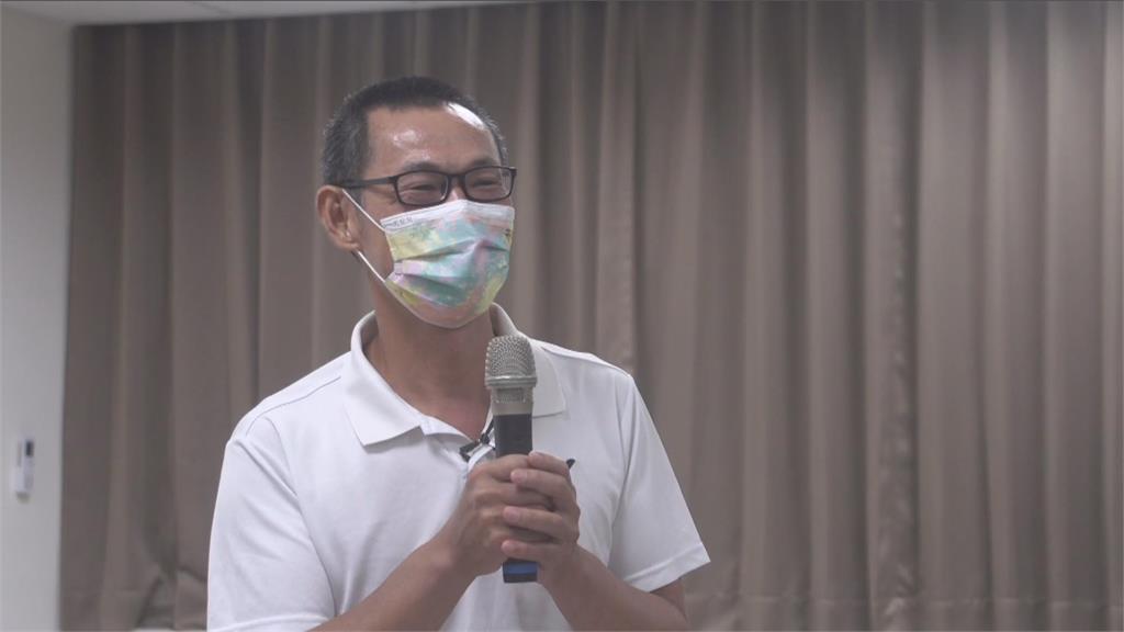 快新聞/戴資穎直落二「拍下」金牌門票 戴爸開心打分:手法靈活!給100分