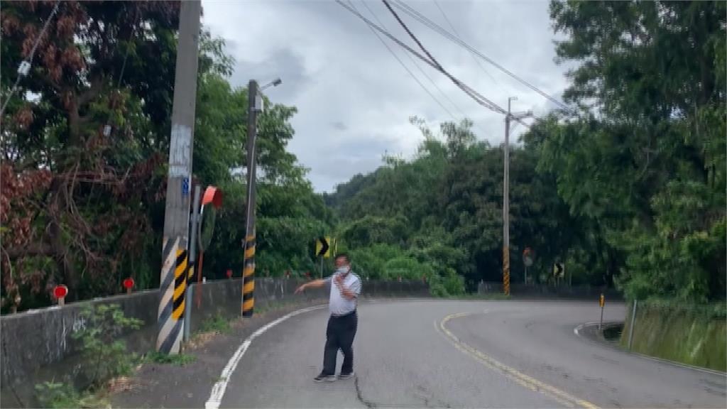 獼猴攀電線觸電 導致林內坪頂村大停電