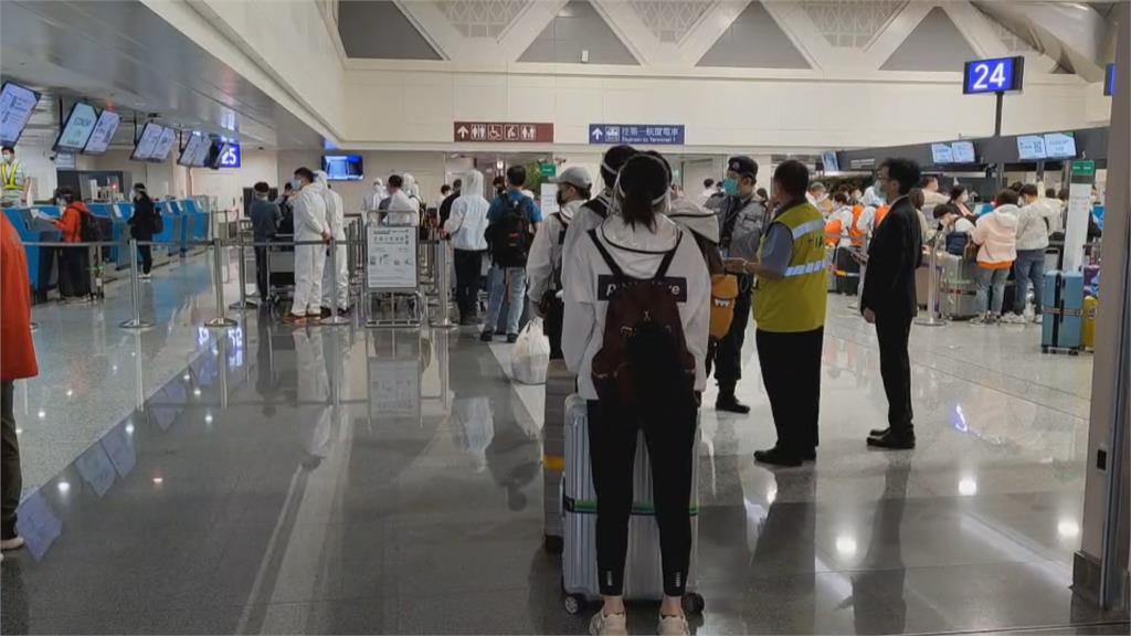 關島22天疫苗團熱銷 以家族、學生居多「大多選輝瑞」