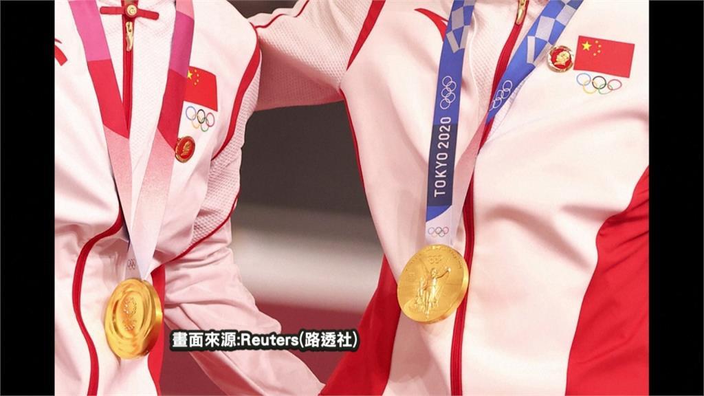 中國2女選手掛毛徽章領獎 違奧運憲章! 國際奧會展開調查