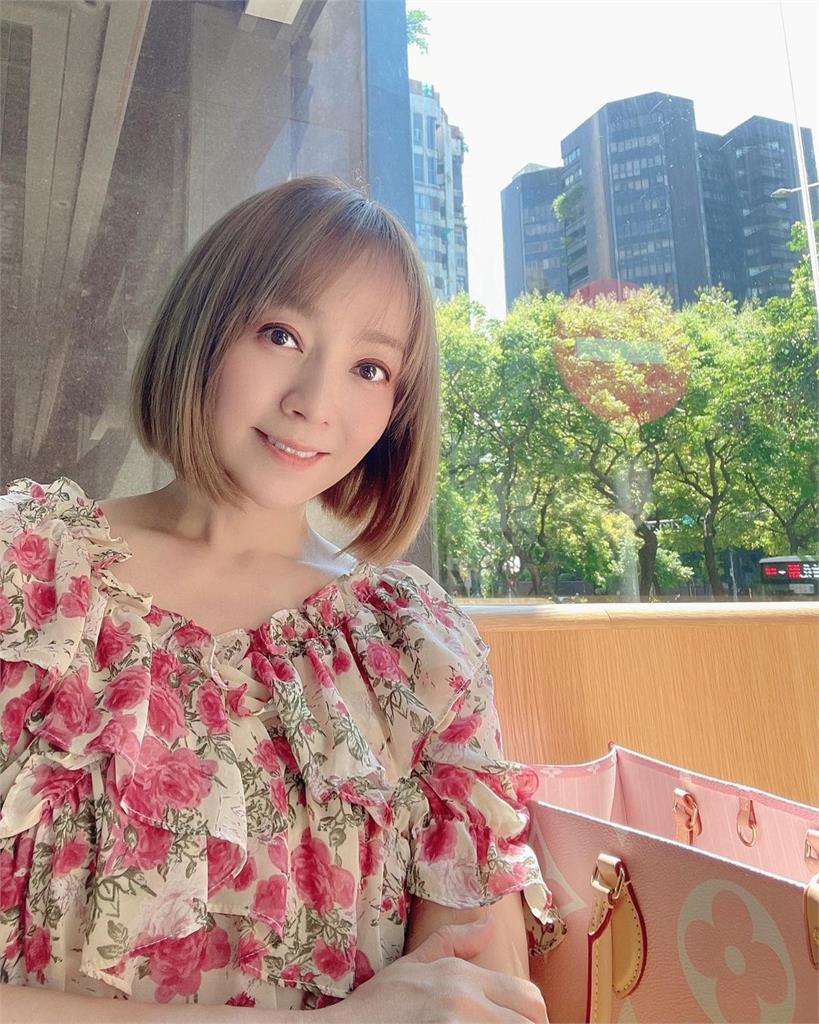 季芹突曬「耳下3CM短髮照」 老公王仁甫嚇到立刻打電話關切!