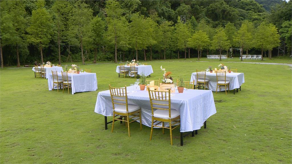 零接觸婚禮成新趨勢 異地連線親友、精緻餐盒送到家