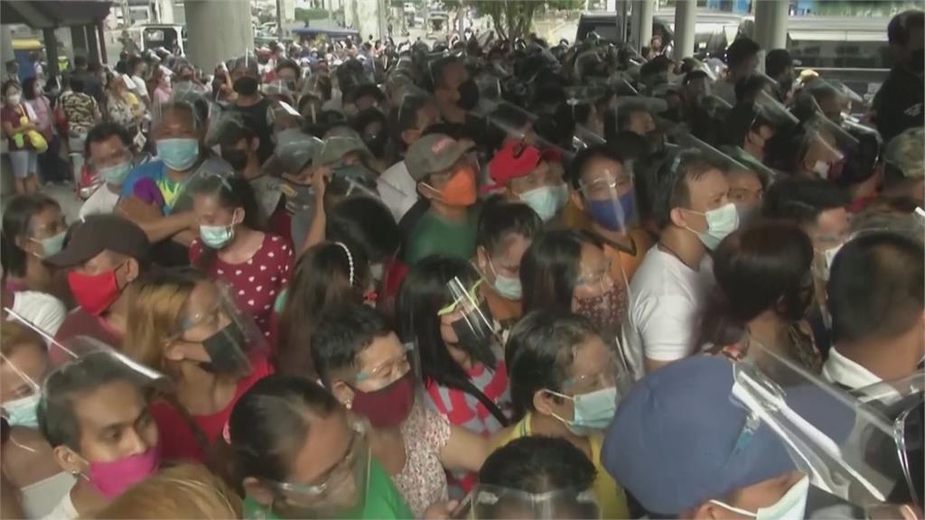 「沒打疫苗被警察抓」菲國民眾恐慌擠爆接種站