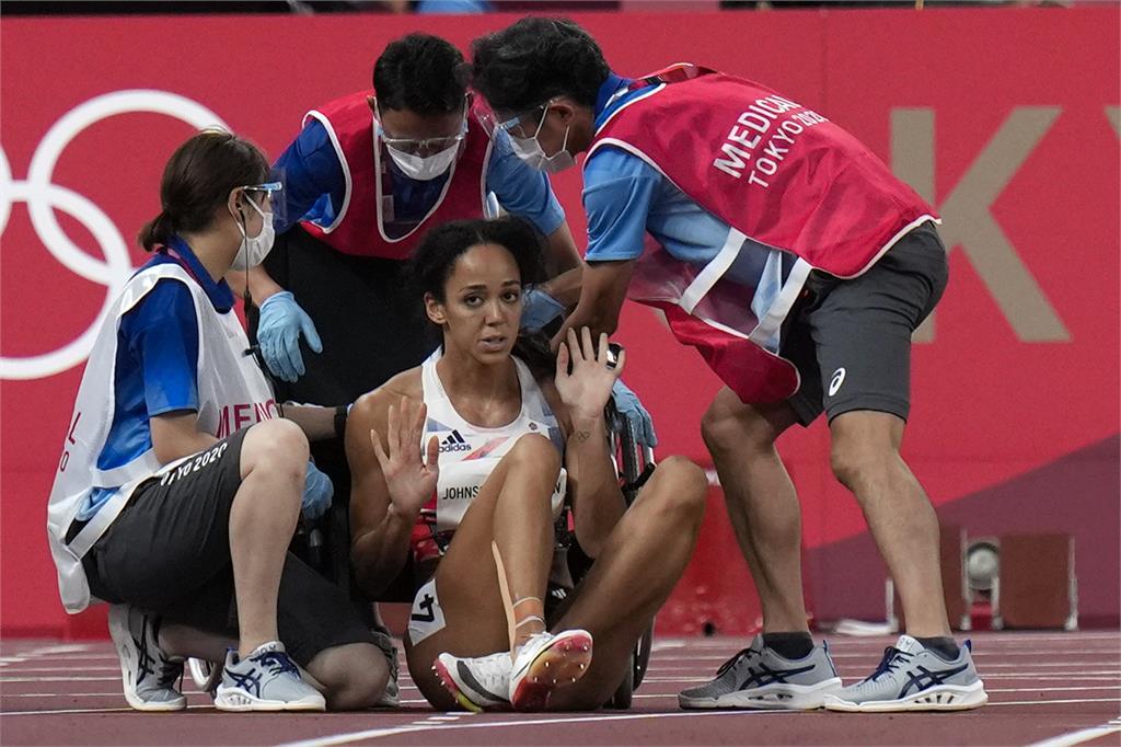 東奧/小腿拉傷倒地「堅持完賽」!英女將:能站上起跑線已是奇蹟