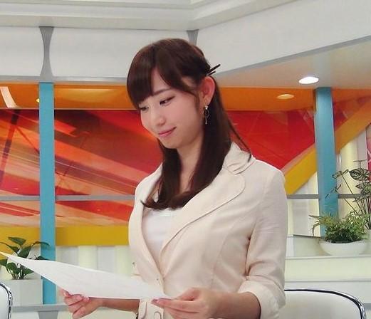 日本女主播「上衣失蹤」 進軍寫真界「端莊+性感」2種風格完美駕馭