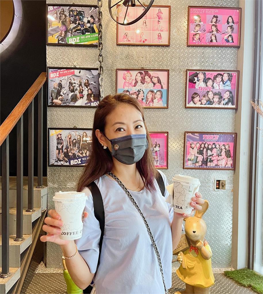 賈永婕「現身台南」朝聖咖啡店:感謝周子瑜的愛心!