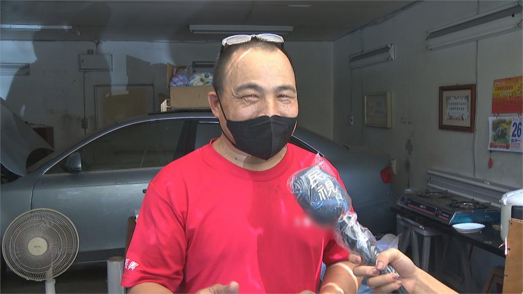 颱風來忘記關!修車廠暖用塑膠袋幫忙封車窗